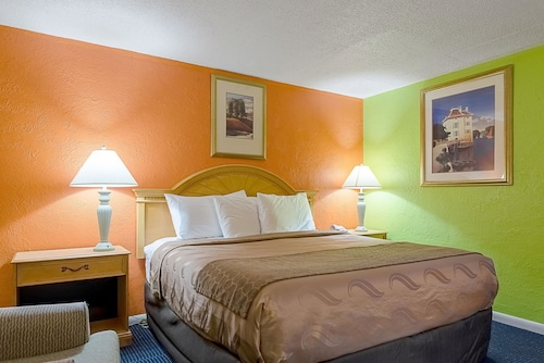 Check Expedia for Availability of Rodeway Inn