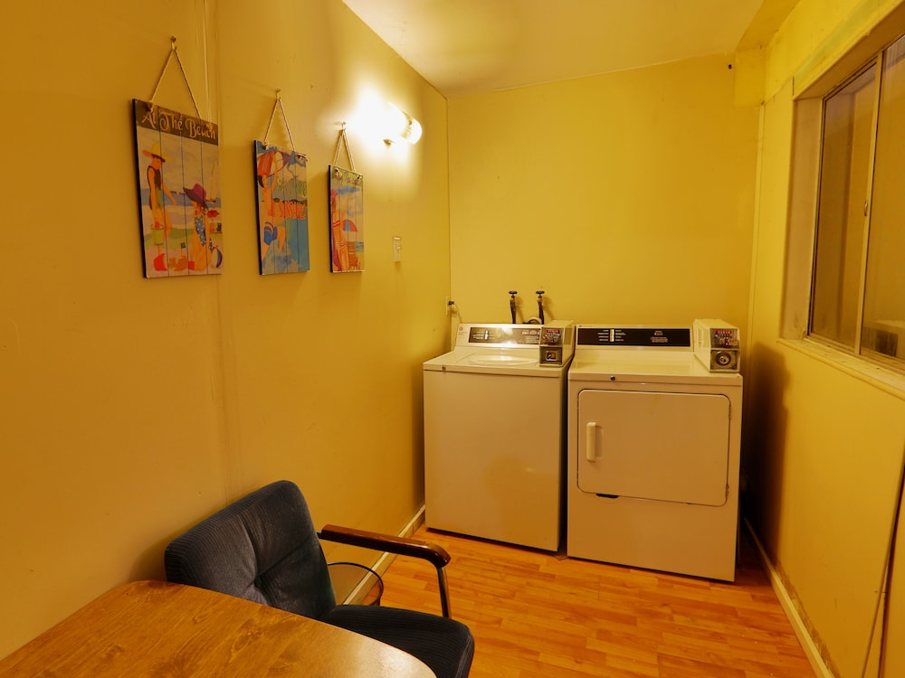 Laundry Room, Diplomat Motel