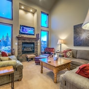Cascades at Eagleridge by Retreatia