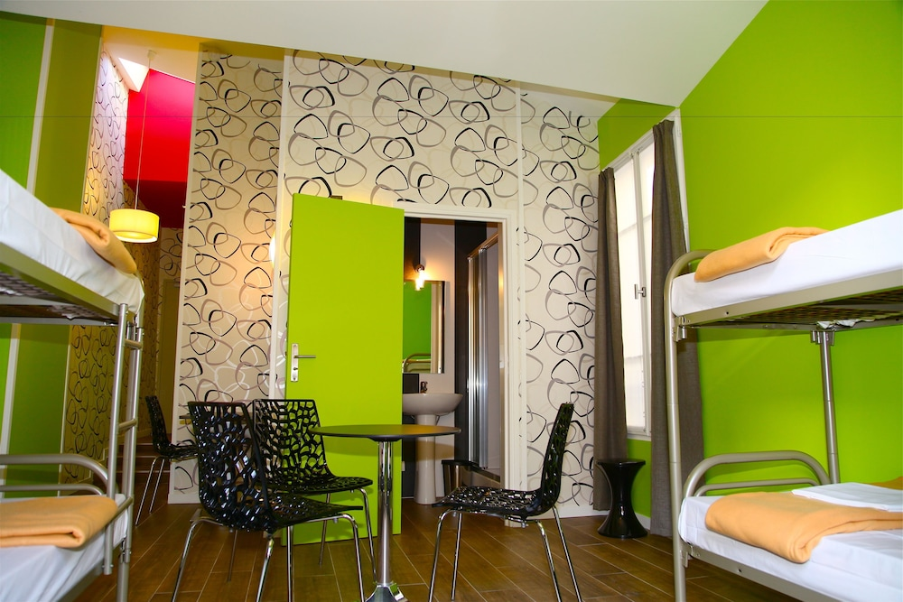 The loft boutique hostel hotel deals reviews paris for Boutique hostel