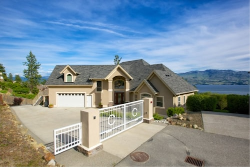 Lake Okanagan Bed and Breakfast