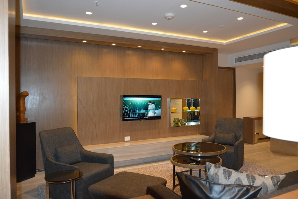 Living Area, WelcomHotel Bengaluru - Member ITCHotel Group