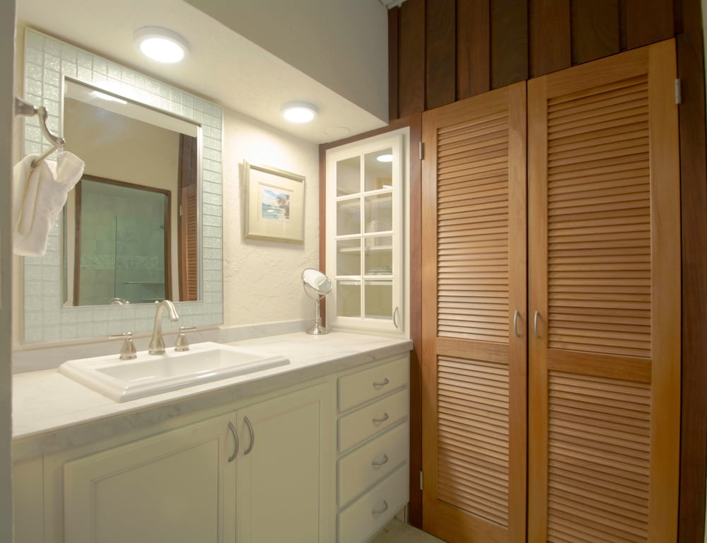 Bathroom, Point Pleasant Resort