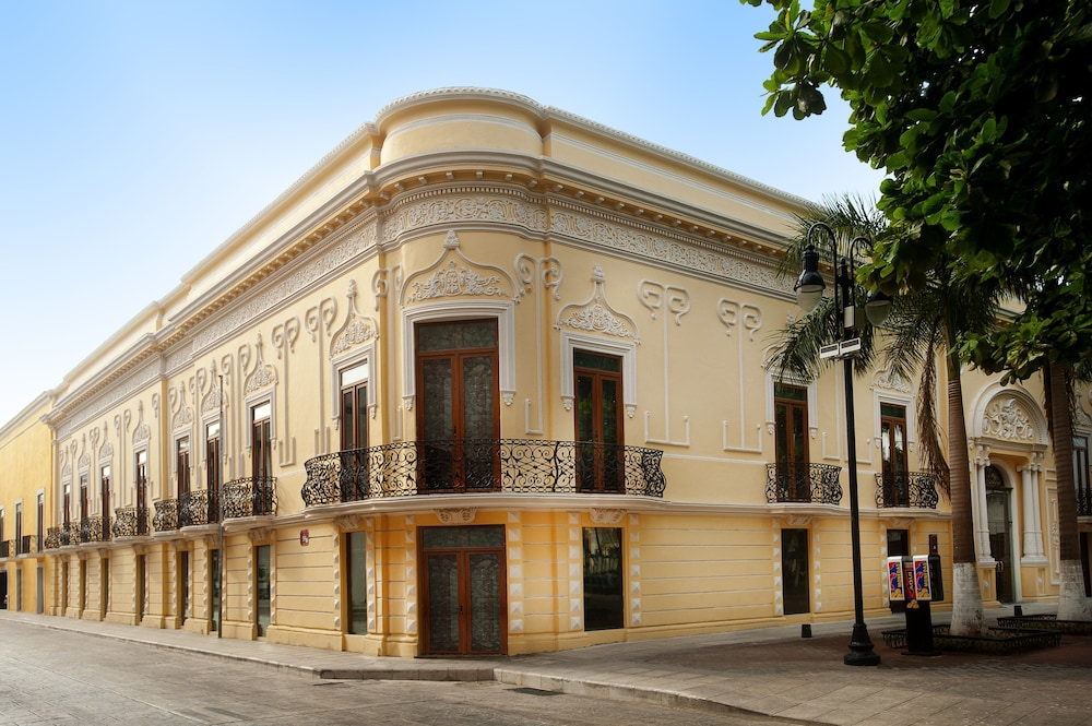 Front of Property, Mansion Merida Hotel - Restaurant