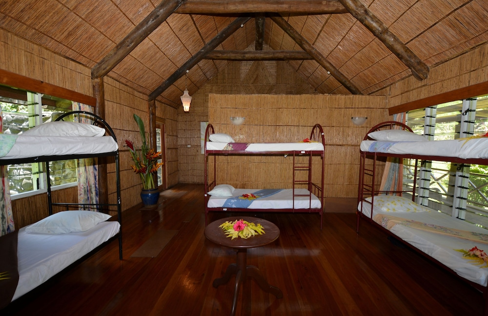 Maravu taveuni lodge contact