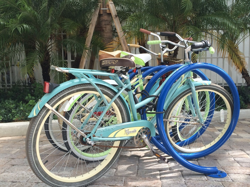 Bicycling, Churchill Suites Monte Carlo Miami Beach