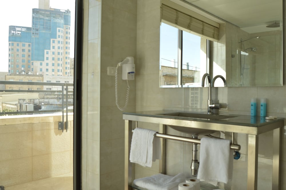Bathroom, Shamai Suites