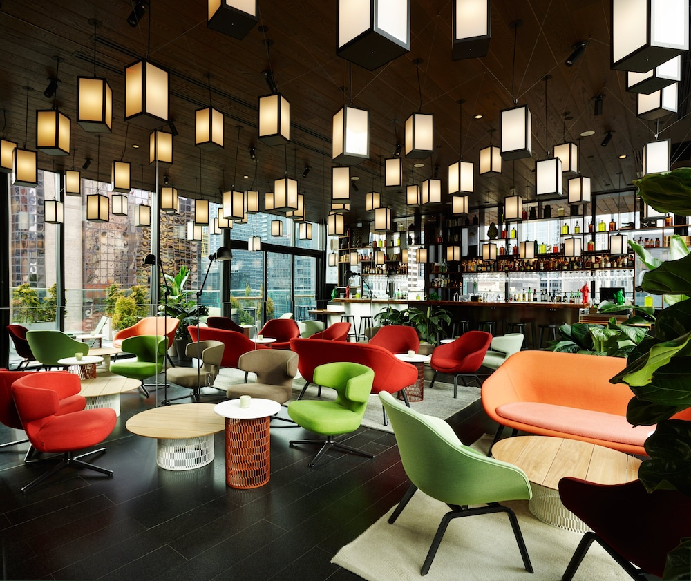 Bar, citizenM New York Times Square