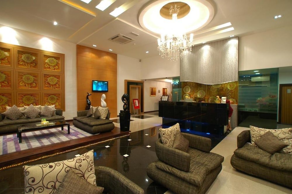2 Inn 1 Boutique Hotel & Spa Sandakan, MYS - Best Price