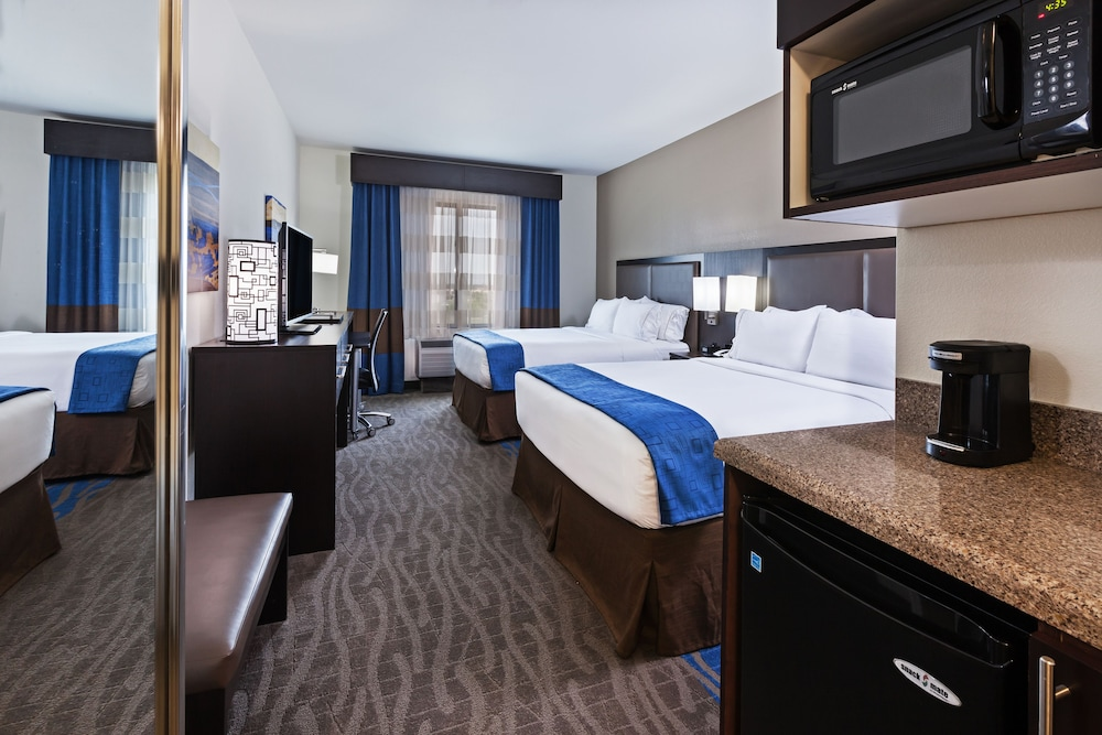 Room, Holiday Inn Express & Suites Glenpool-Tulsa South