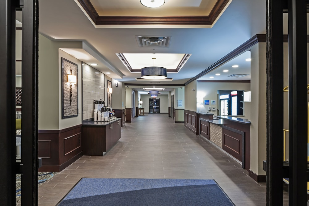 Lobby, Holiday Inn Express & Suites Glenpool-Tulsa South