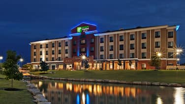 Holiday Inn Express & Suites Glenpool-Tulsa South, an IHG Hotel