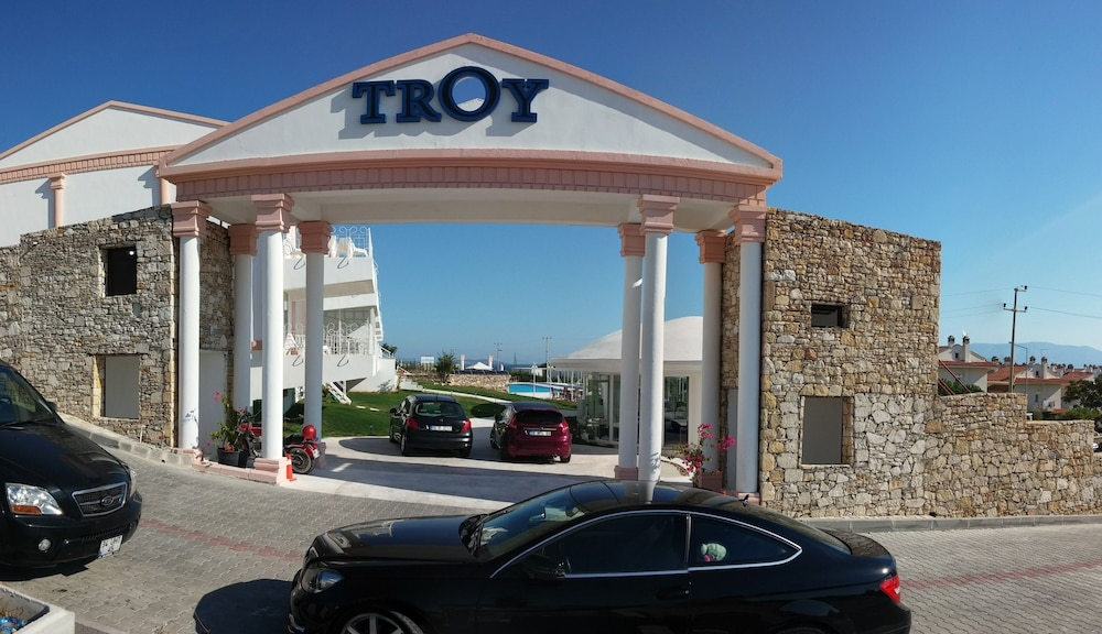 Book Çeşme Troy Boutique Hotel Suites & Spa  Cesme Hotel ...