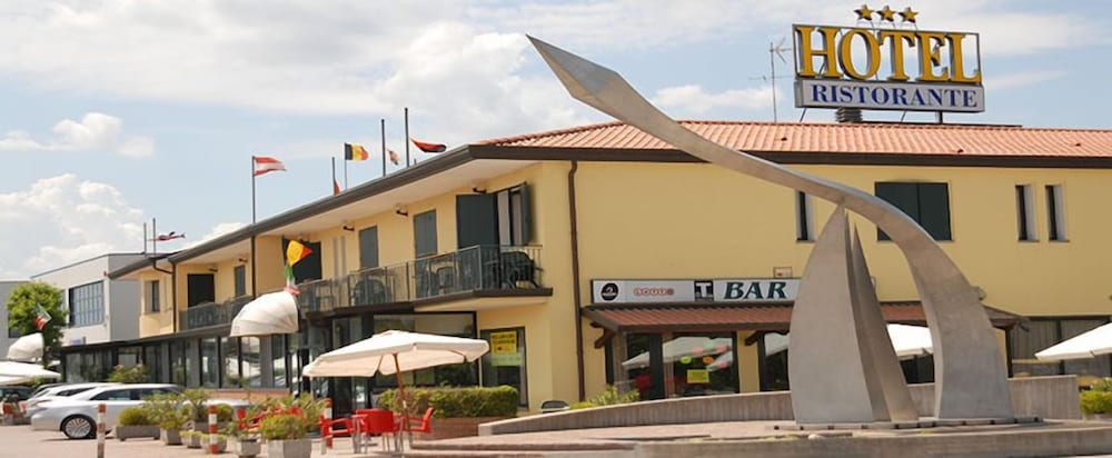 Gran Delta In Rosolina Cheap Hotel Deals Rates Hotel
