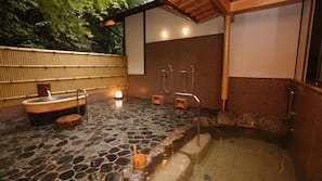 Outdoor Spa Tub