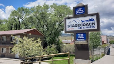 Stagecoach Inn & Suites