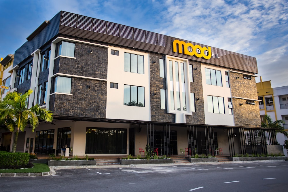 Featured Image, Mood Hotel