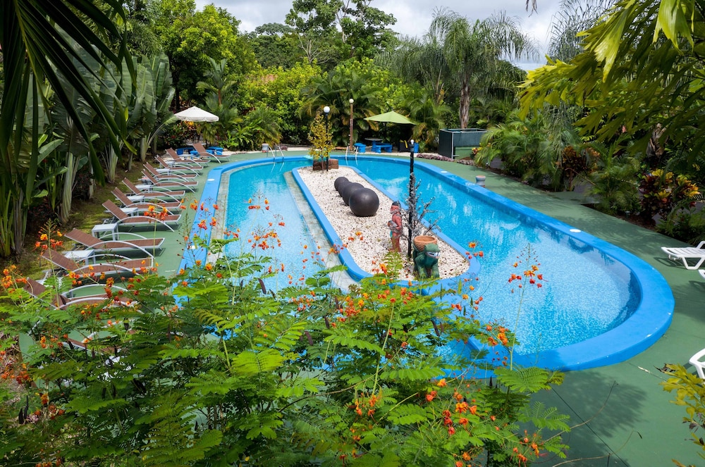 Pool, Heliconias Nature Lodge