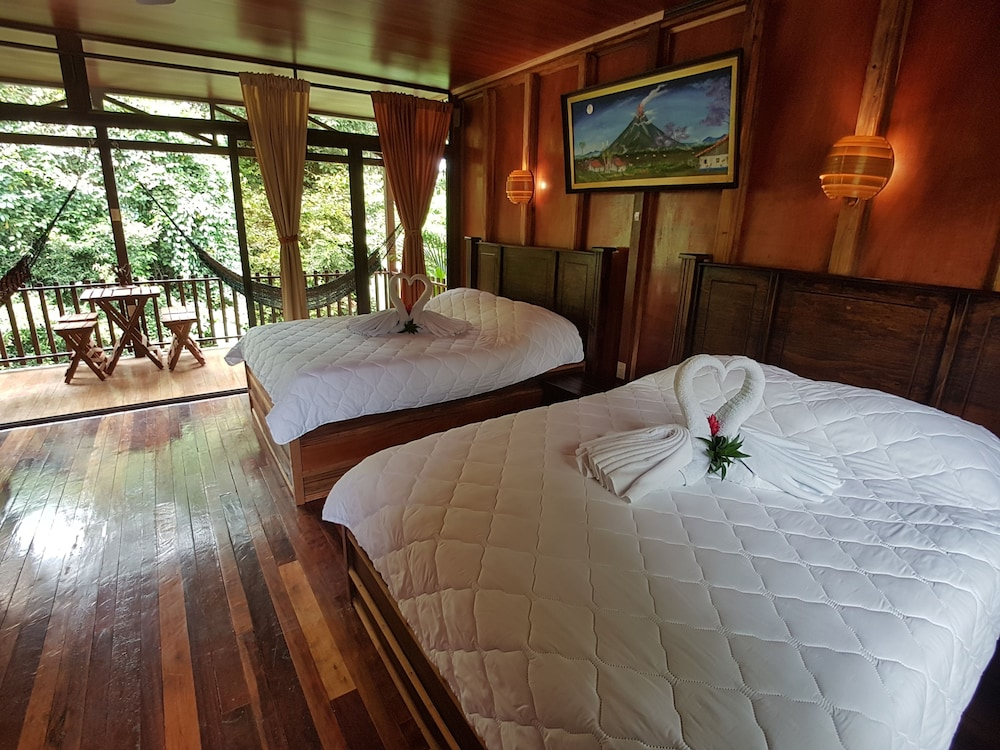 Room, Heliconias Nature Lodge