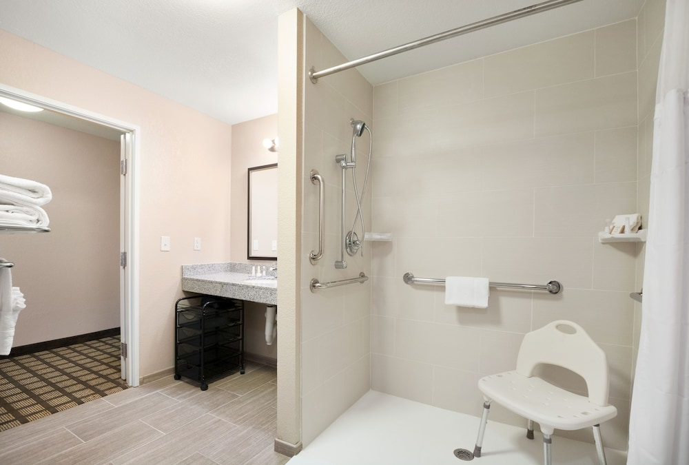 Bathroom, Baymont by Wyndham Odessa