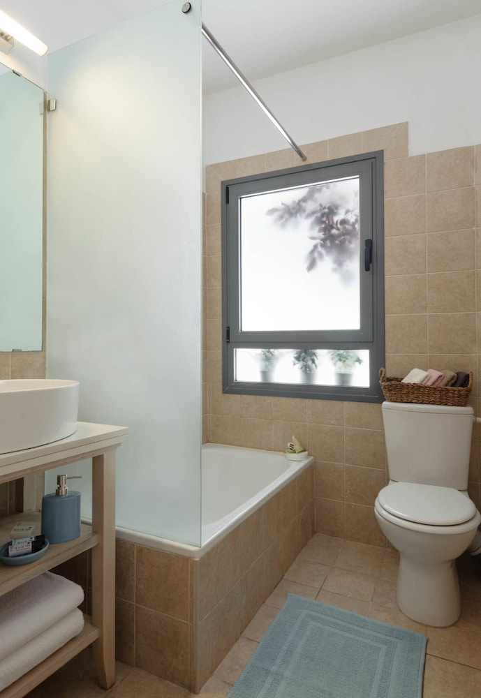 Bathroom, Rafael Residence