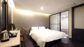高級寢具、羽絨被、隔音、熨斗/熨衫板