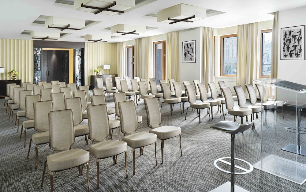Meeting Facility, Four Seasons Hotel Moscow