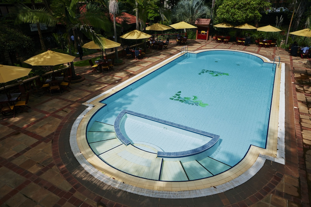 Outdoor Pool, Fairview Hotel