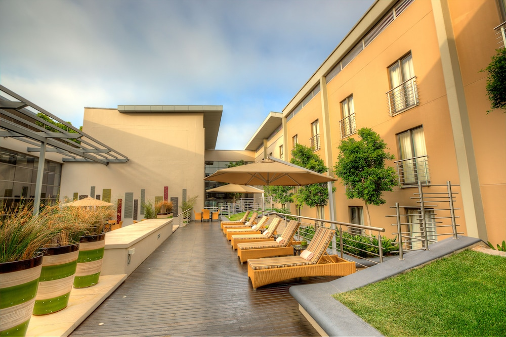 Sundeck, City Lodge Hotel at OR Tambo International Airport