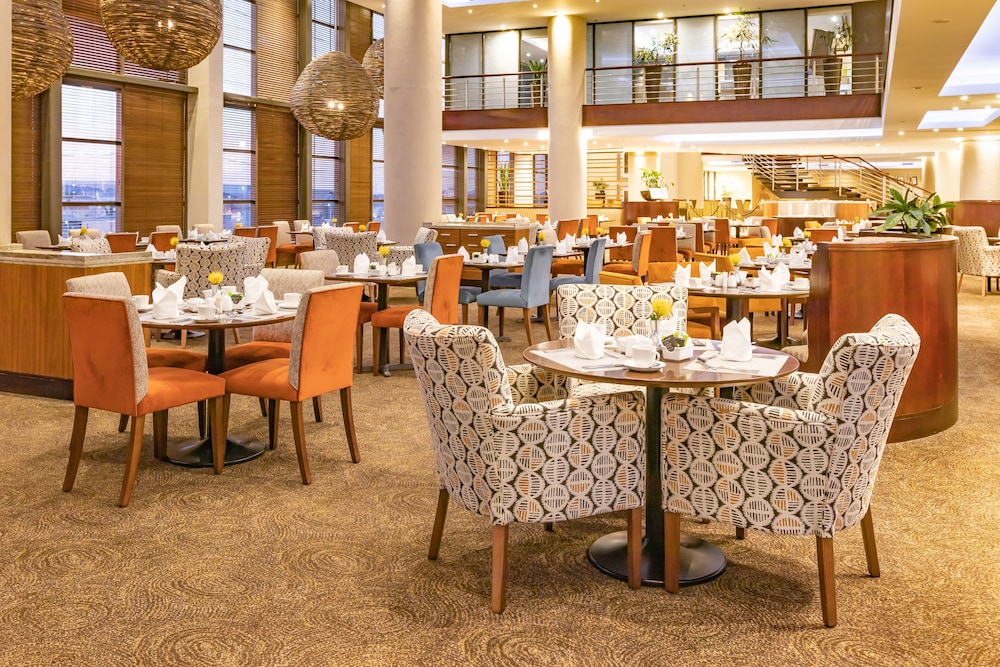 Dining, City Lodge Hotel at OR Tambo International Airport