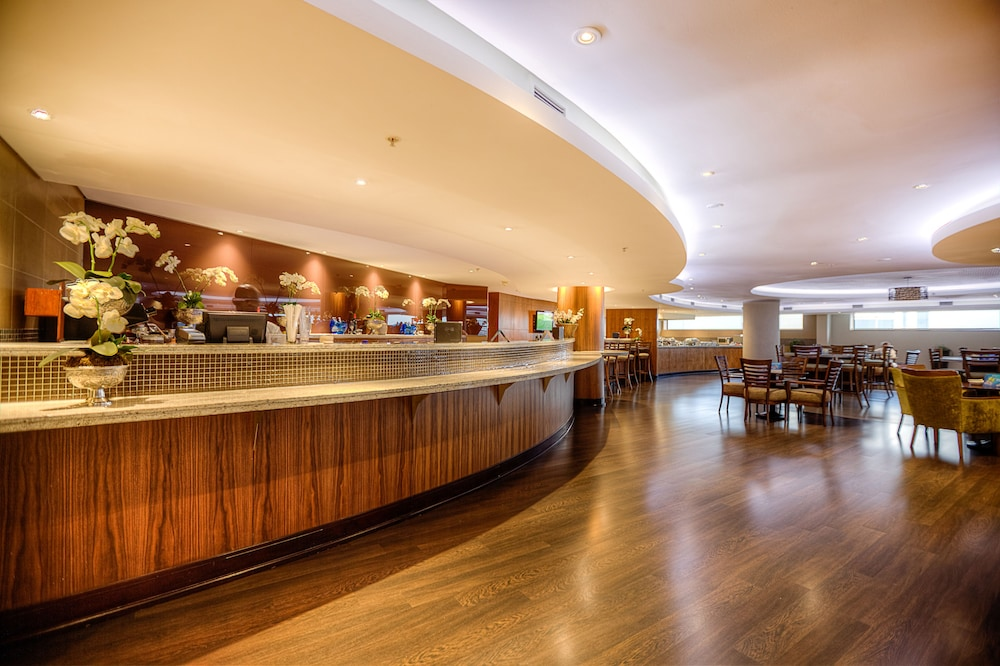 Bar, City Lodge Hotel at OR Tambo International Airport