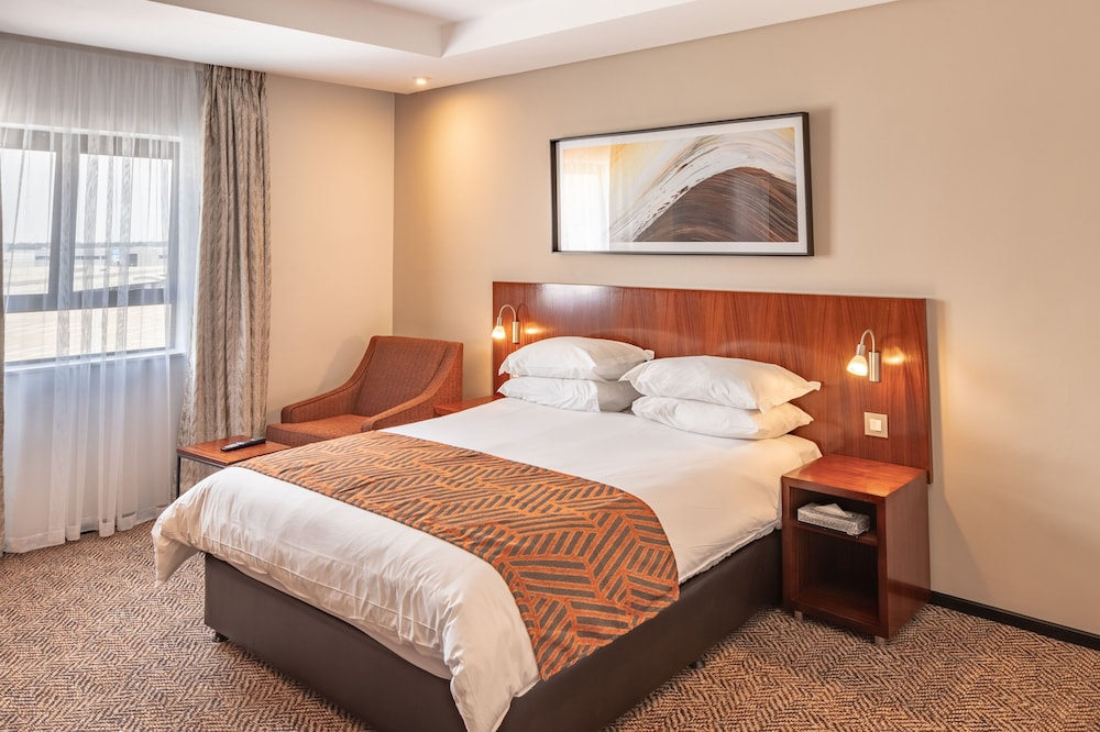 Room, City Lodge Hotel at OR Tambo International Airport