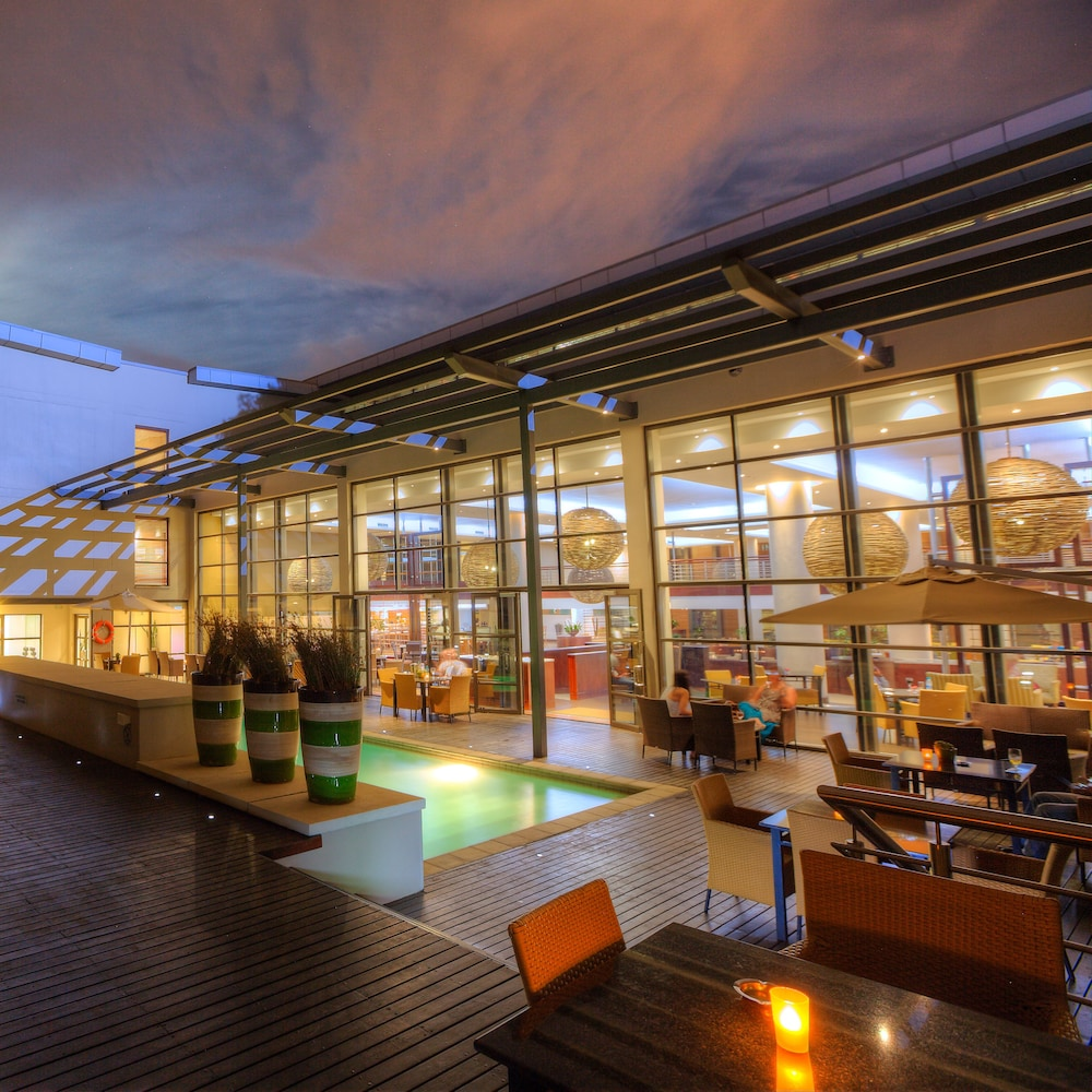 Outdoor Dining, City Lodge Hotel at OR Tambo International Airport
