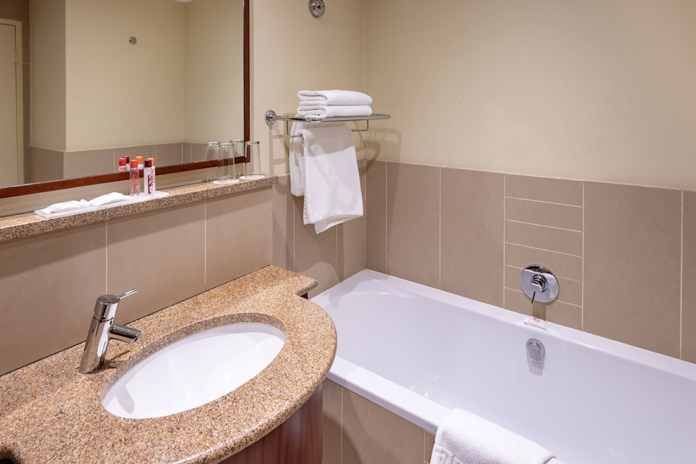 Bathroom, City Lodge Hotel at OR Tambo International Airport