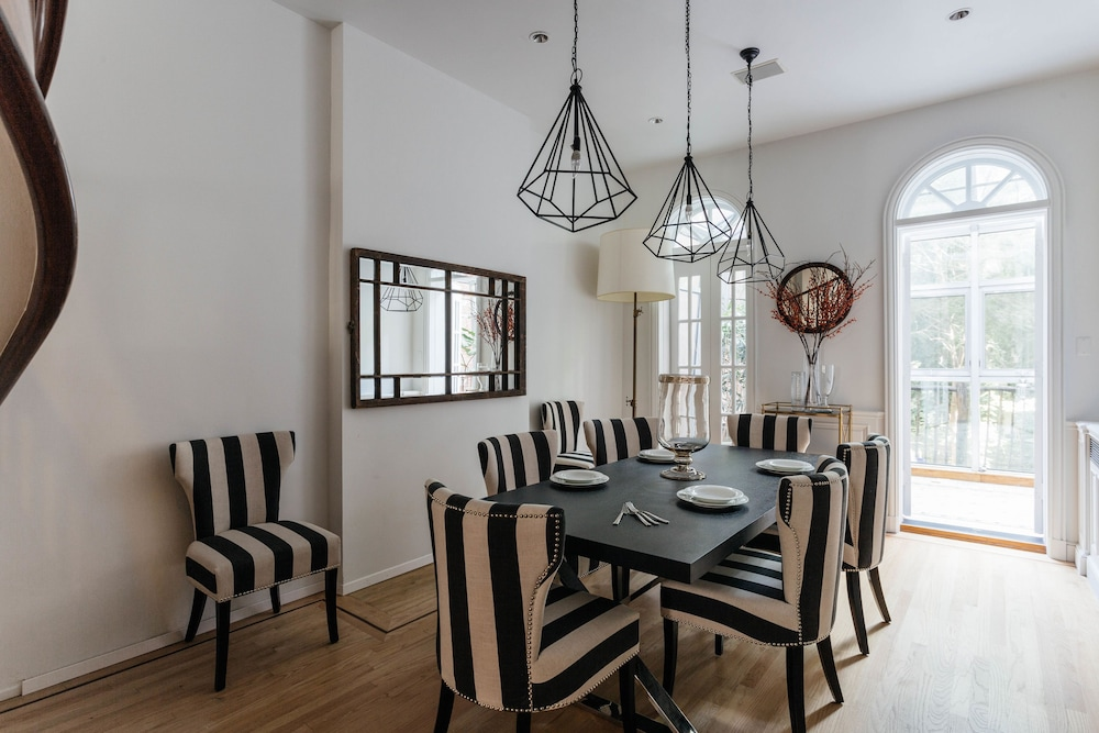 Onefinestay chelsea private homes in new york hotel for Best private dining rooms chelsea