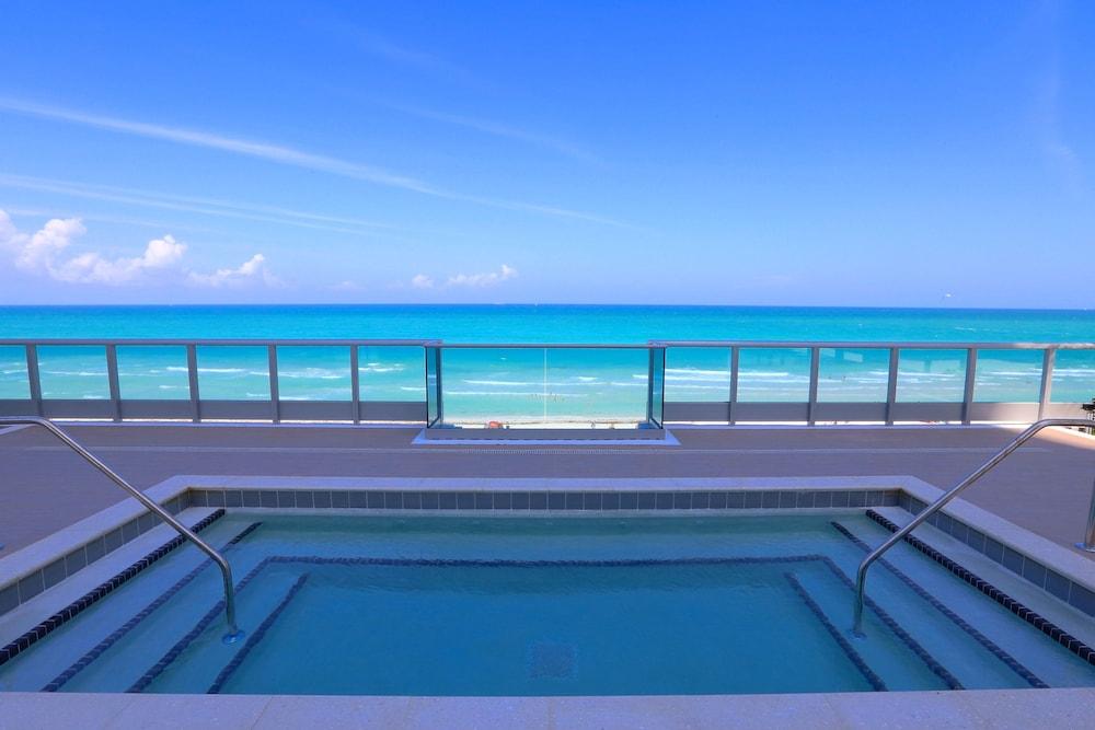 Pelican Hotel Miami Beach Booking