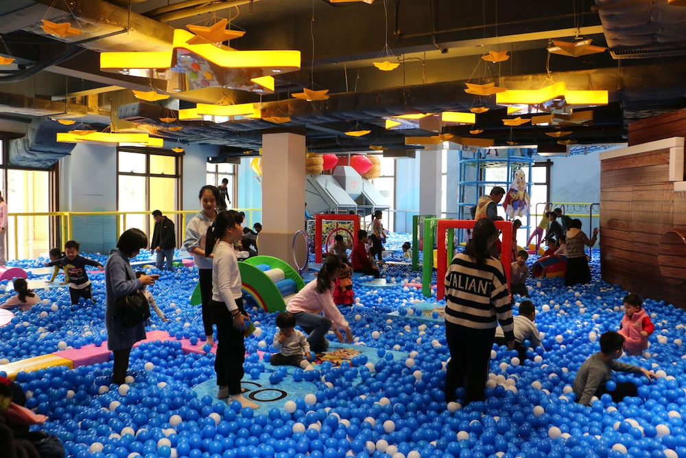 Children's Activities, Courtyard by Marriott Boluo