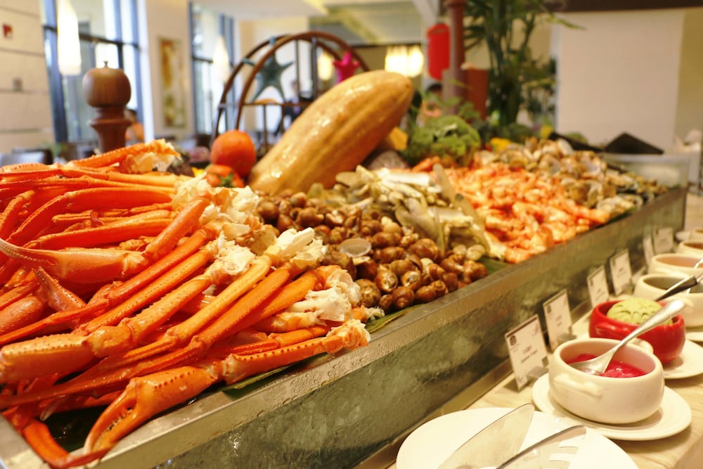 Buffet, Courtyard by Marriott Boluo