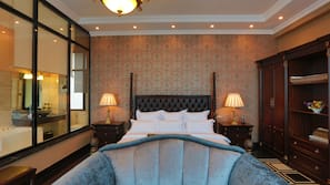 Egyptian cotton sheets, premium bedding, down duvet, free minibar items