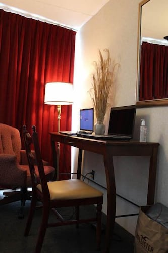 In-Room Business Center, The Carideon Motel