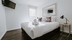 Frette Italian sheets, premium bedding, pillow-top beds, in-room safe