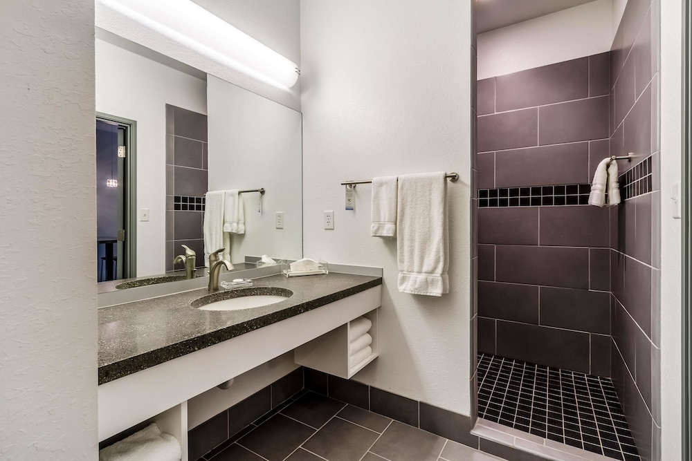Bathroom, The Wallhouse Hotel, Ascend Hotel Collection