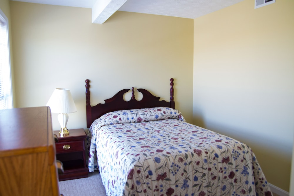 Room, Tanglewood Golf Course