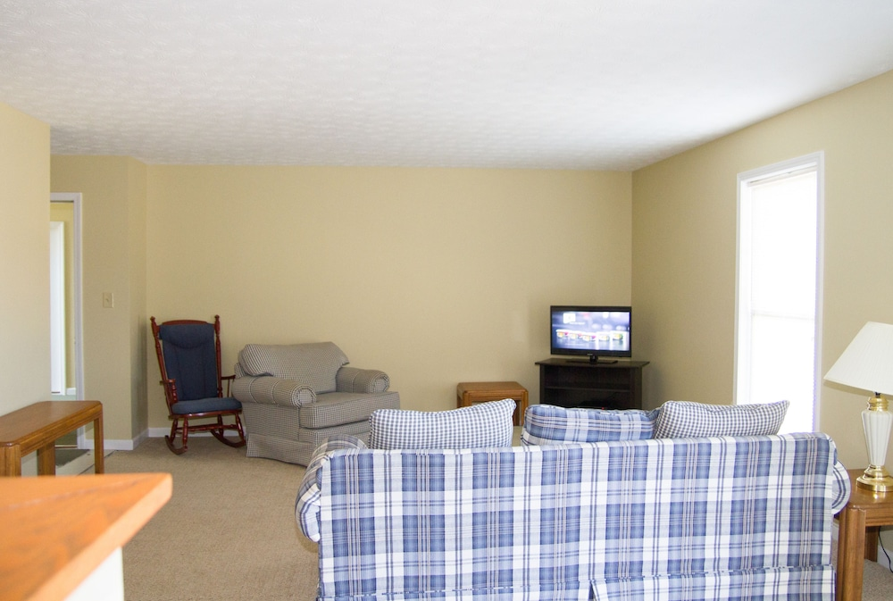 Living Area, Tanglewood Golf Course
