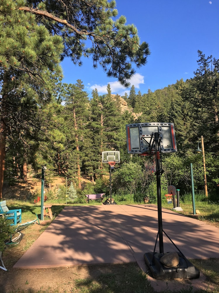 Basketball Court, Pine Haven Resort