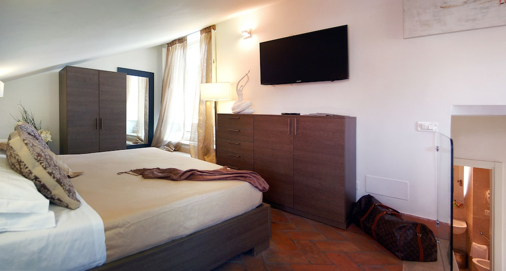 Navona luxury apartments deals reviews rome ita wotif for Hotel luxury navona