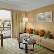 DoubleTree by Hilton Hotel Riyadh - Al Muroj Business Gate