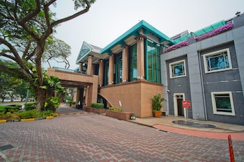 The Residence at Singapore Recreation Club