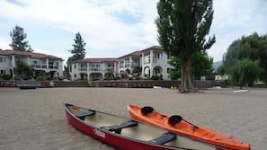 On the beach, sun-loungers, kayaking, rowing