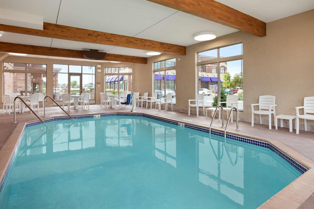 Indoor Pool, Country Inn & Suites by Radisson, Roseville, MN